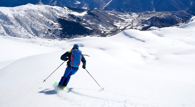 7e7eb253a1 The patterns of injuries amongst skiers engaged in downhill alpine skiing  have changed over the years as skiing equipment has evolved.